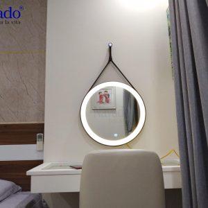 Gương đèn led dây da cảm ứng